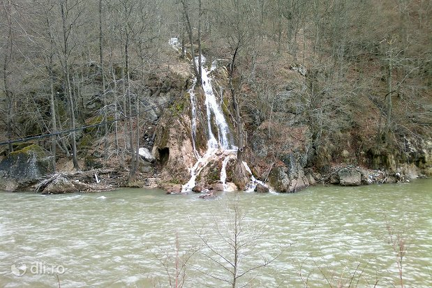 cascada-sipote.jpg
