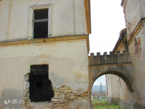 castelul-bay.jpg