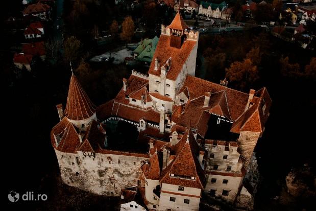 castelul-bran-vedere-de-sus.jpg
