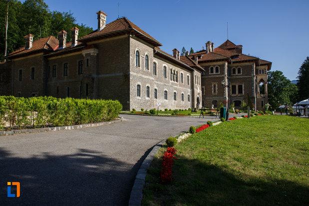 castelul-cantacuzino-din-busteni-judetul-prahova.jpg