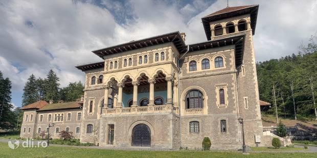 castelul-cantacuzino-din-busteni.jpg