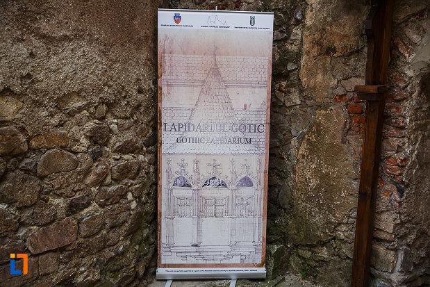 castelul-corvinilor-azi-muzeu-din-hunedoara-judetul-hunedoara-lapidariul-gotic.jpg