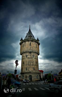 castelul-de-apa.jpg