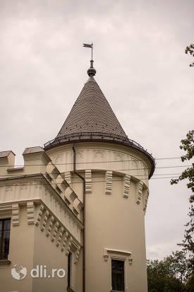 castelul-karolyi-din-carei-varful-unui-turn.jpg