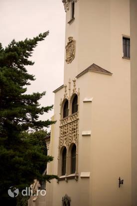 castelul-karolyi-din-carei.jpg