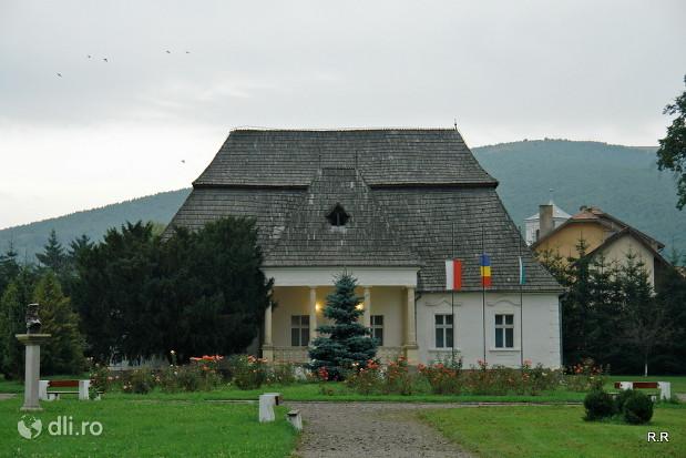 castelul-mikes-szentkereszty.jpg