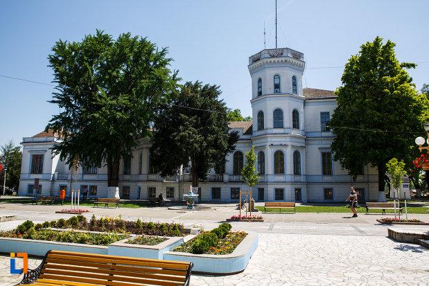 castelul-nako-1864-muzeul-bartok-bela-din-sannicolau-mare.jpg