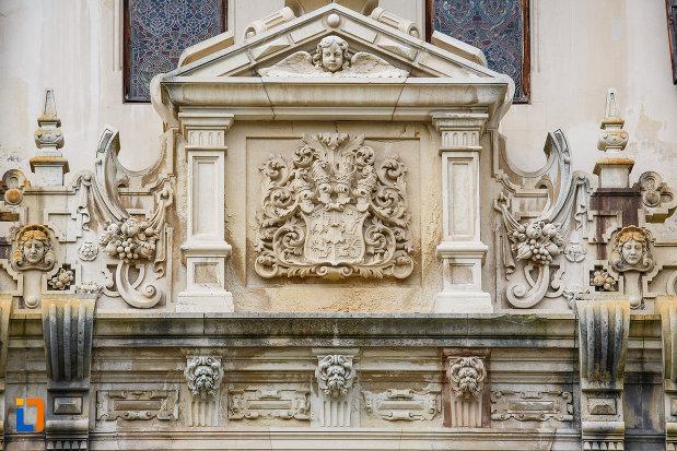 castelul-peles-din-sinaia-judetul-prahova-monument-de-arhitectura.jpg