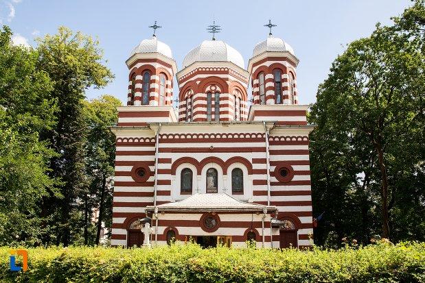 catedrala-adormirea-maicii-domnului-din-dorohoi-judetul-botosani.jpg