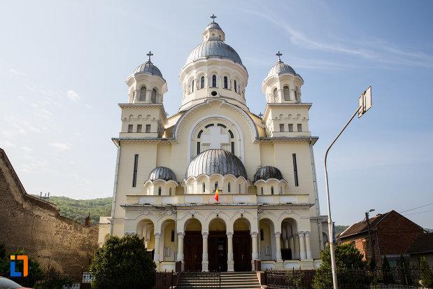 catedrala-adormirea-maicii-domnului-resita-montana-judetul-caras-severin.jpg