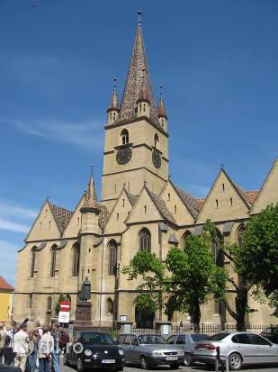 catedrala-evanghelica-din-sibiu.jpg