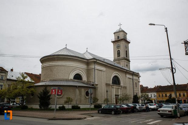 catedrala-greco-catolica-pogorarea-sf-duh-din-lugoj-judetul-timis-imagine-din-lateral-spate.jpg
