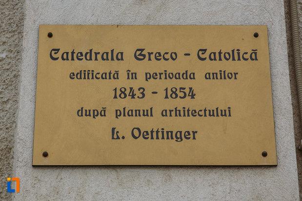 catedrala-greco-catolica-pogorarea-sf-duh-din-lugoj-judetul-timis-placuta-cu-denumirea-edificiului.jpg