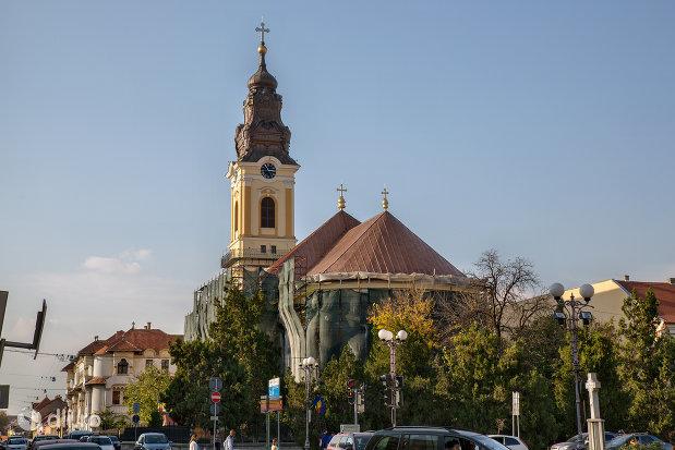catedrala-greco-catolica-sf-nicolae-din-oradea-judetul-bihor-vedere-din-spate.jpg