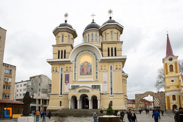 catedrala-invierea-domnului-si-sf-prooroc-ilie-tesviteanul-din-caransebes-judetul-caras-severin.jpg