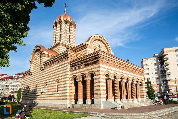 catedrala-mitropolitana-inaltarea-domnului-din-targoviste-judetul-dambovita.jpg