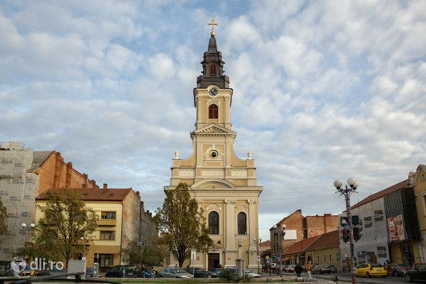 catedrala-ortodoxa-adormirea-maicii-domnului-biserica-cu-luna-din-oradea-judetul-bihor.jpg