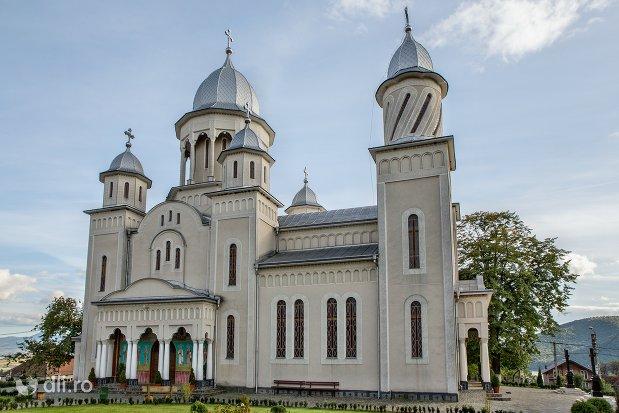 catedrala-ortodoxa-din-calinesti-oas-judetul-satu-mare-vedere-laterala.jpg