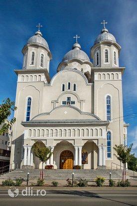 catedrala-ortodoxa-din-negresti-oas-judetul-satu-mare.jpg