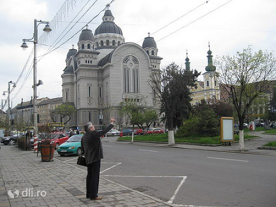 catedrala-ortodoxa-din-targu-mures.jpg