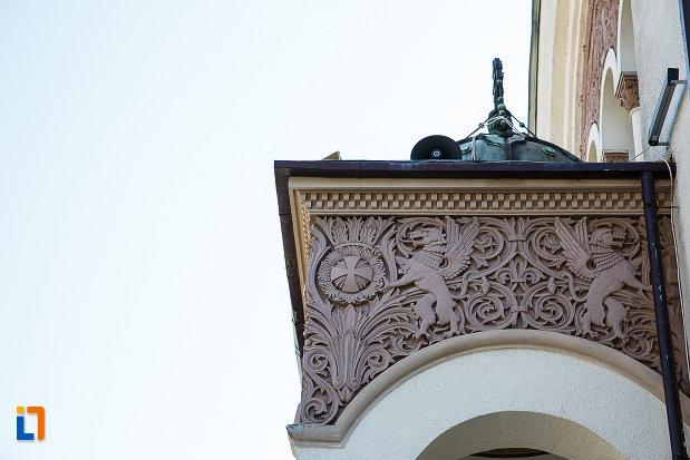 catedrala-ortodoxa-sf-arhangheli-mihail-si-gavril-din-orastie-judetul-hunedoara-detaliu-decorativ.jpg