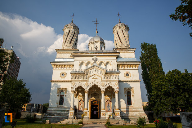 catedrala-ortodoxa-sf-haralambie-din-turnu-magurele-judetul-teleorman.jpg