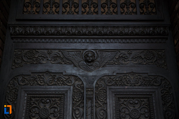 catedrala-ortodoxa-sf-trei-ierarhi-din-timisoara-judetul-timis-motive-decorative.jpg