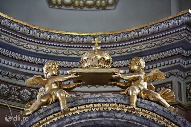 catedrala-romano-catolica-dieceza-de-satu-mare-detaliu-cu-ingerasi-din-biserica.jpg