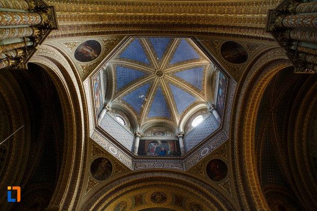 catedrala-romano-catolica-millenium-din-timisoara-judetul-timis-cupola-albastra.jpg