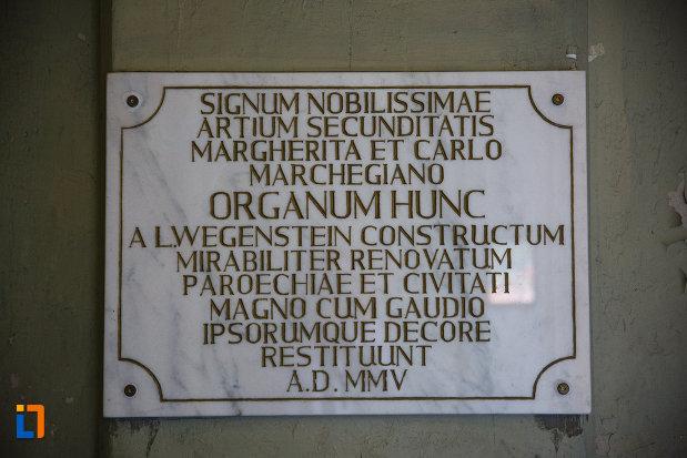 catedrala-romano-catolica-millenium-din-timisoara-judetul-timis-mesaj-in-limba-latina.jpg