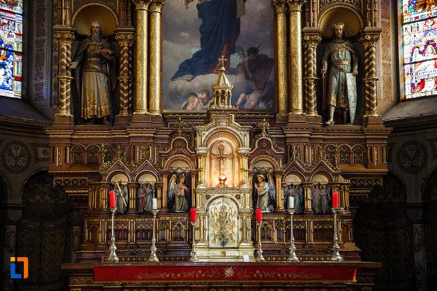 catedrala-romano-catolica-millenium-din-timisoara-judetul-timis-spatele-altarului.jpg