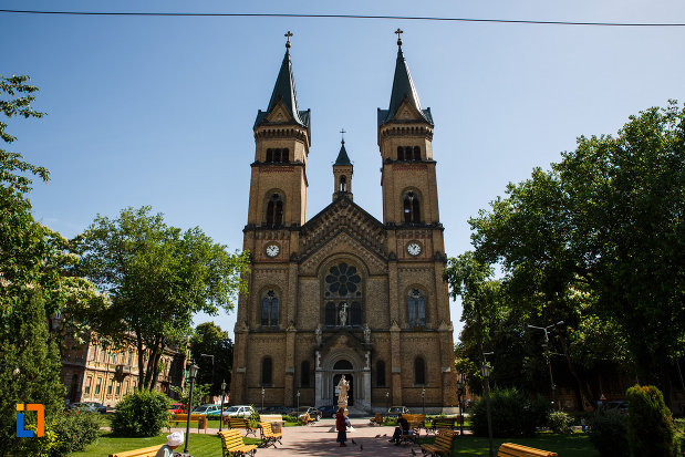 catedrala-romano-catolica-millenium-din-timisoara-judetul-timis.jpg