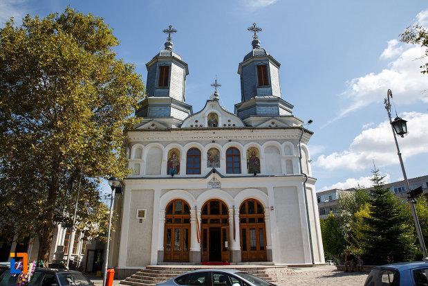 catedrala-sf-ierarh-nicolae-din-tulcea-judetul-tulcea.jpg