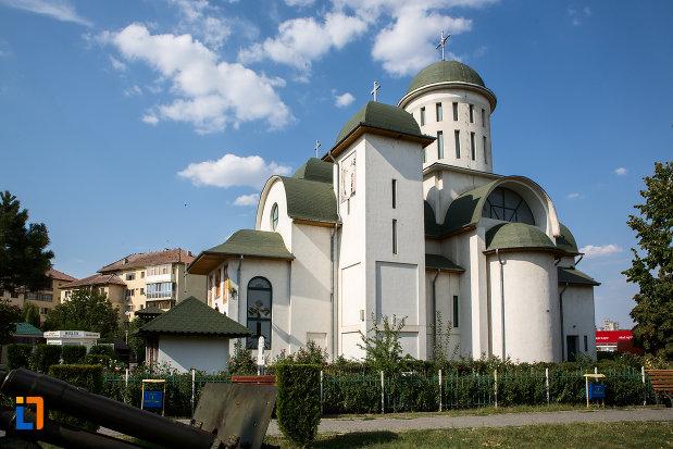 catedrala-sf-imparati-constantin-si-elena-din-urziceni-judetul-ialomita.jpg