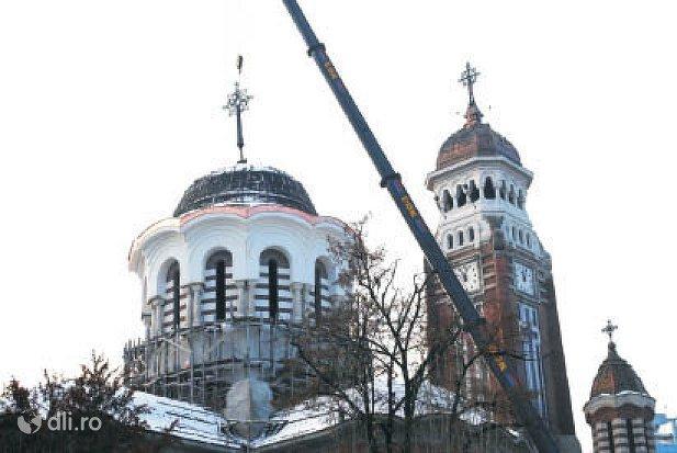 catedrala-sf-ioan-botezatorul-din-ploiesti.jpg