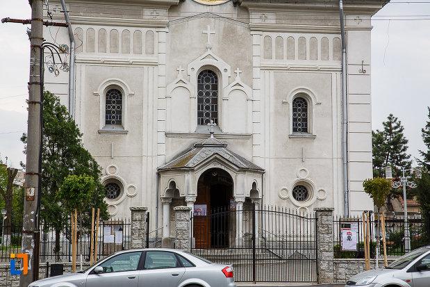 catedrala-sf-treime-din-deva-judetul-hunedoara-partea-de-jos.jpg