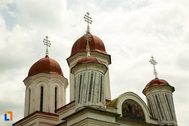 cele-patru-turnuri-de-la-biserica-grecescu-din-drobeta-turnu-severin-judetul-mehedinti.jpg