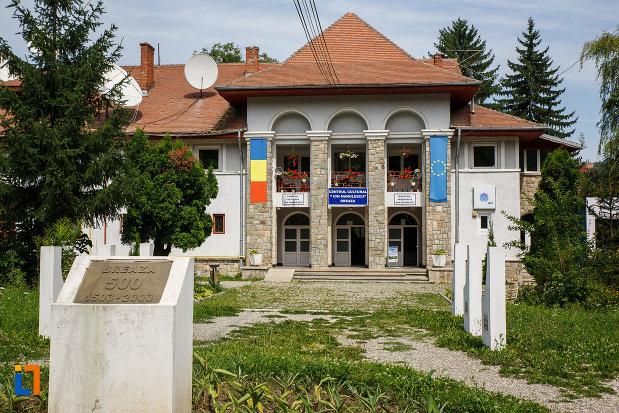 centru-cultural-ion-manolescu-din-breaza-judetul-prahova.jpg
