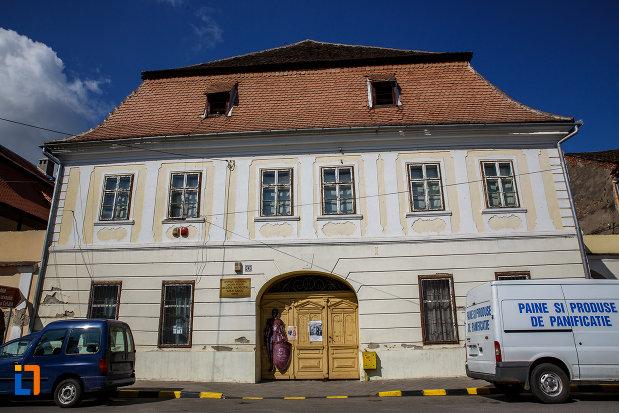 centrul-cultural-lucian-blaga-muzeul-municipal-din-sebes-judetul-alba.jpg