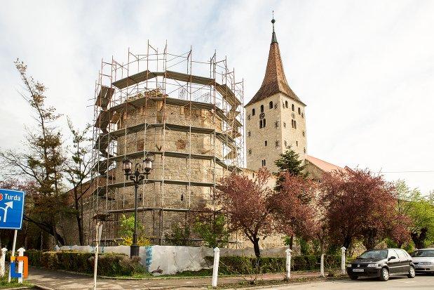 cetatea-aiudului-judetul-alba-bastion-medieval-si-turn.jpg
