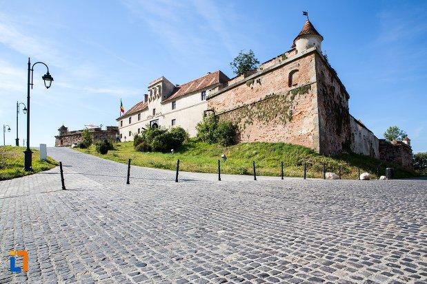 cetatea-brasov-judetul-brasov.jpg