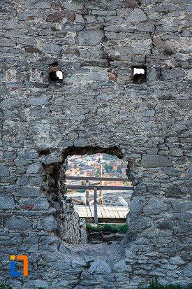 cetatea-din-deva-judetul-hunedoara-doua-locuri-de-tragere.jpg