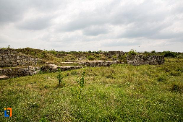 cetatea-giurgiu-judetul-giurgiu-azi-doar-ruine.jpg