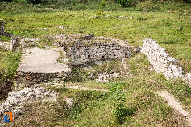 cetatea-giurgiu-judetul-giurgiu-cateva-ziduri-pastrate-pana-azi.jpg