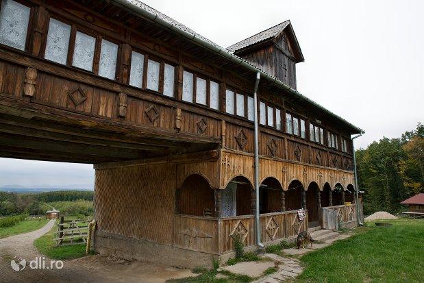 chilii-de-la-manastirea-marius-judetul-satu-mare.jpg