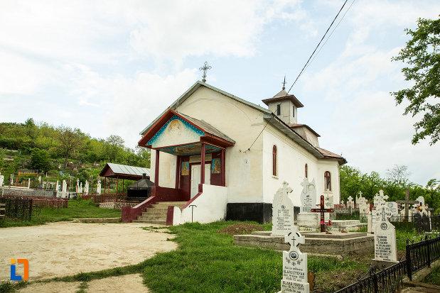 cimitirul-cu-biserica-sf-nicolae-din-fratostita-judetul-dolj.jpg