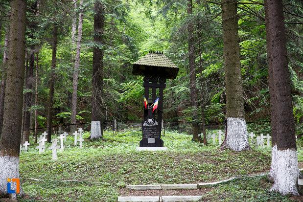 cimitirul-eroilor-din-azuga-judetul-prahova.jpg