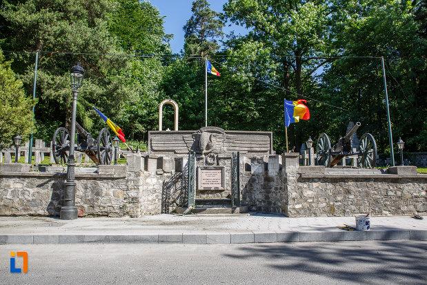 cimitirul-eroilor-din-sinaia-judetul-prahova.jpg