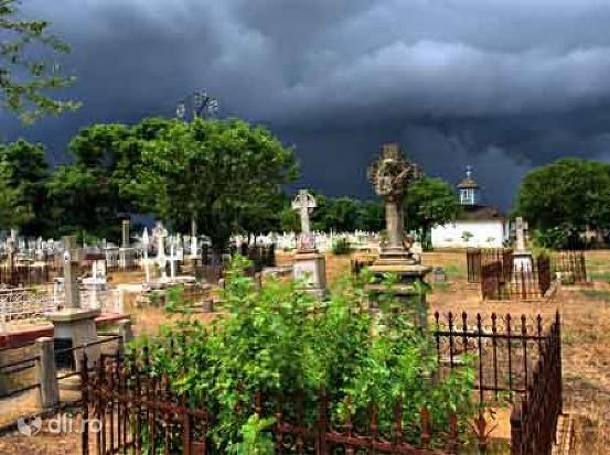 cimitirul-maritim-de-la-sulina.jpg