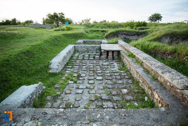 cladire-cu-hypocaust-de-la-cetatea-romana-sucidava-din-corabia-judetul-olt.jpg